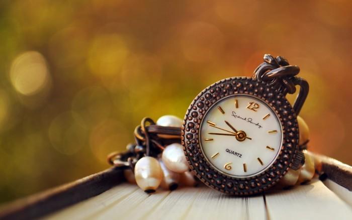 time-pressure-breadwinner-wife